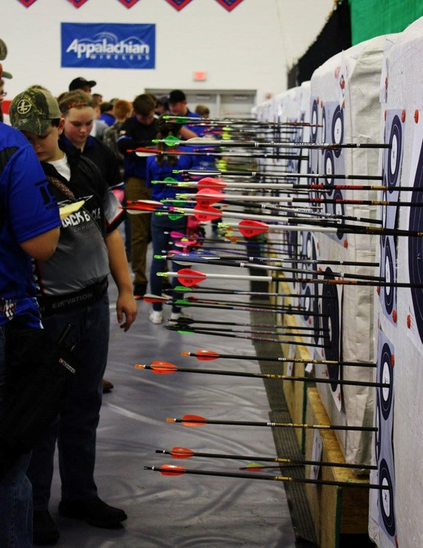 On February 4th, 2017 S3DA Archery held a regional tournament for the first time inside a public school.  Jackson County's S3DA archery team was asked if they would like to host a regional indoor 5-Spot tournament at our new high school.